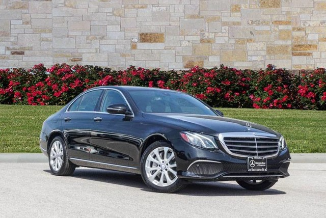 Certified Pre-Owned 2017 Mercedes-Benz E-Class 300 Premium Luxury